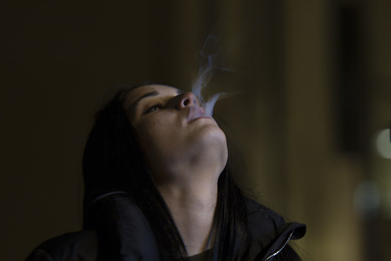 Vaping vs Smoking Weed Differences Explained