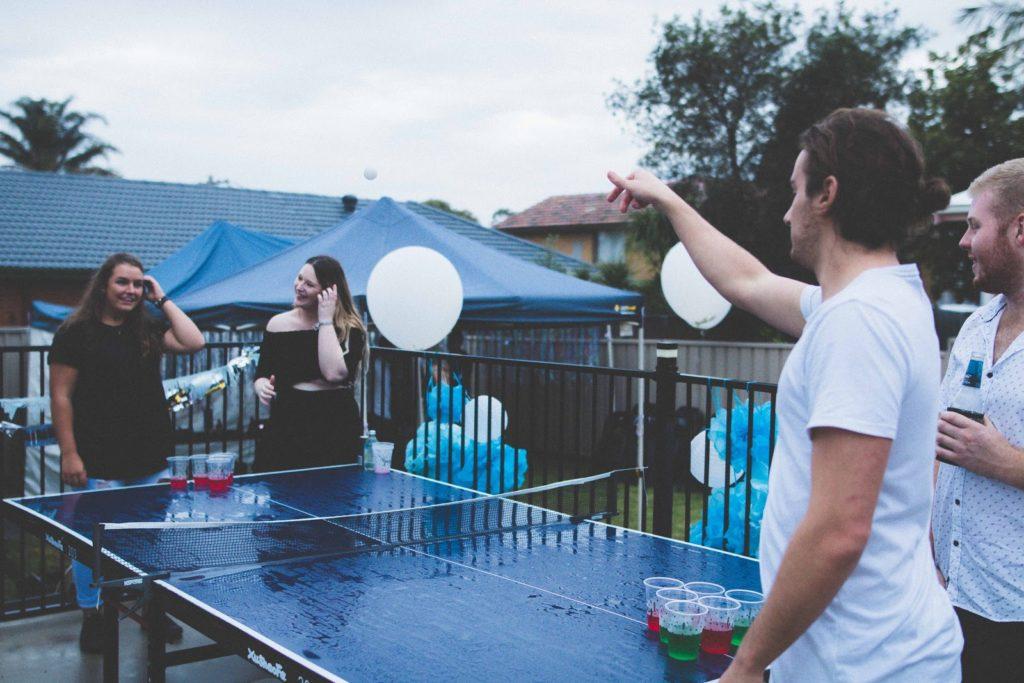 weed games - bong pong